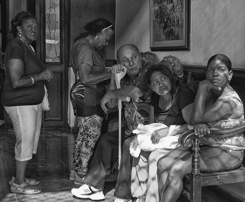 Photo of people waiting at medical centre in Havana